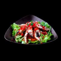 Салат с угрем и овощами
